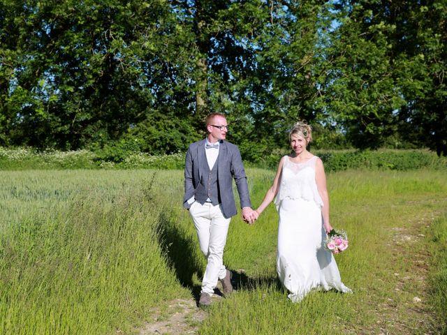 Le mariage de Cédric et Elodie à Manéhouville, Seine-Maritime 14
