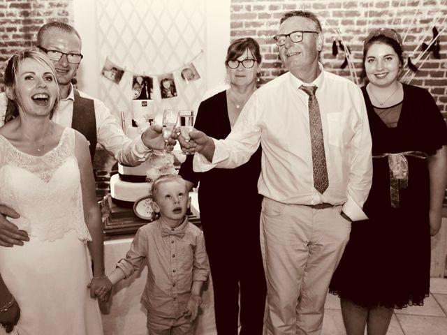 Le mariage de Cédric et Elodie à Manéhouville, Seine-Maritime 43