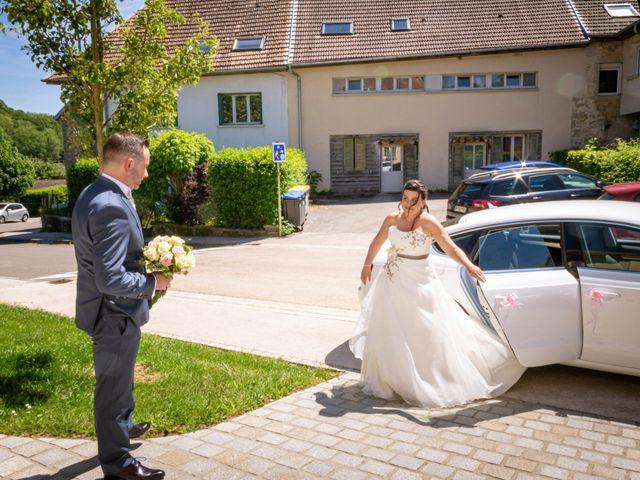 Le mariage de Franck et Laura à Pugey, Doubs 3
