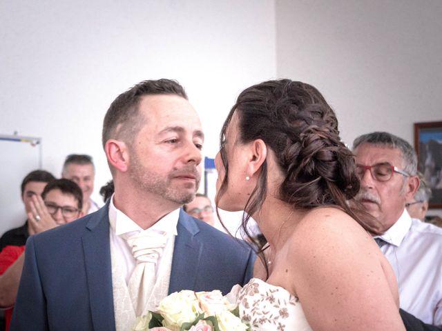 Le mariage de Franck et Laura à Pugey, Doubs 8