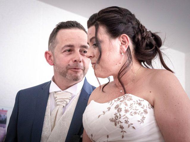 Le mariage de Franck et Laura à Pugey, Doubs 12