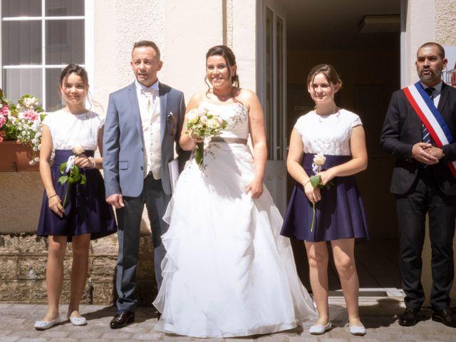 Le mariage de Franck et Laura à Pugey, Doubs 15