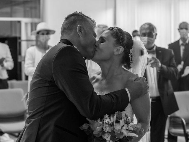Le mariage de Xavier et Daphné à Carbon-Blanc, Gironde 13