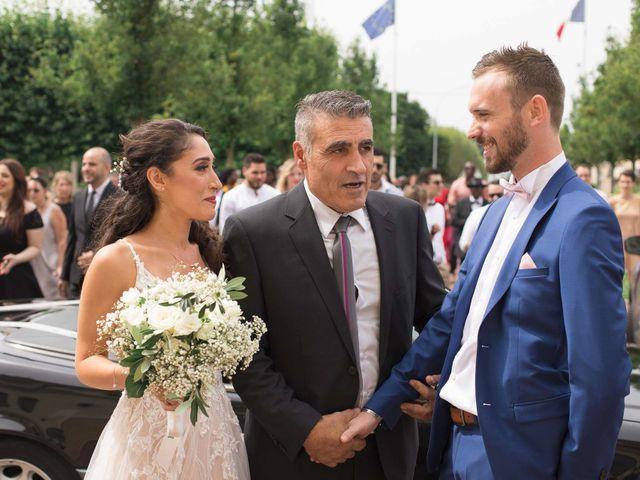 Le mariage de Johann et Rebecca à Sainte-Geneviève-des-Bois, Essonne 10