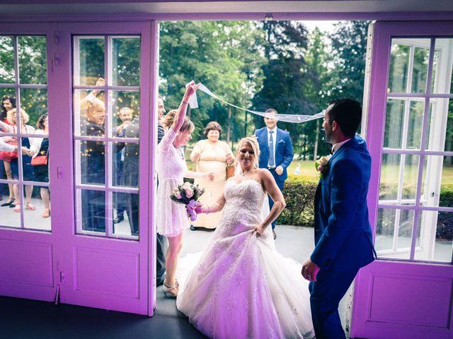 Le mariage de Samir et Aurélie à Forges-les-Eaux, Seine-Maritime 25