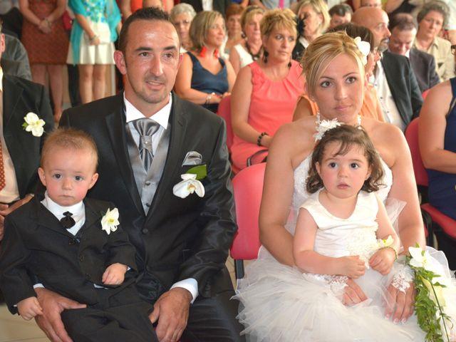 Le mariage de Xavier et Nathalie à Saint-Vincent-de-Paul, Landes 12