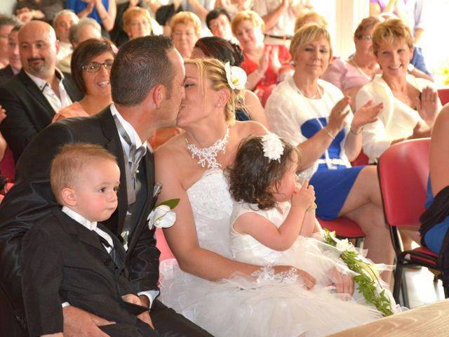 Le mariage de Xavier et Nathalie à Saint-Vincent-de-Paul, Landes 13