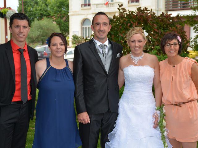 Le mariage de Xavier et Nathalie à Saint-Vincent-de-Paul, Landes 21