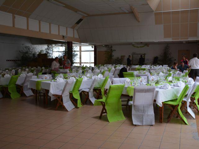 Le mariage de Xavier et Nathalie à Saint-Vincent-de-Paul, Landes 25