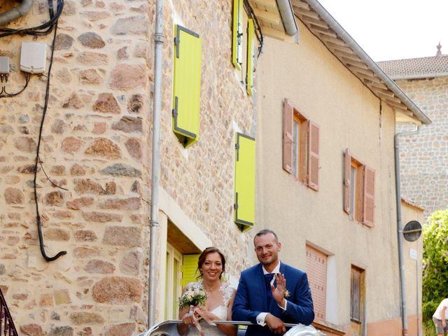 Le mariage de Cedric et Delphine à Le Perréon, Rhône 60