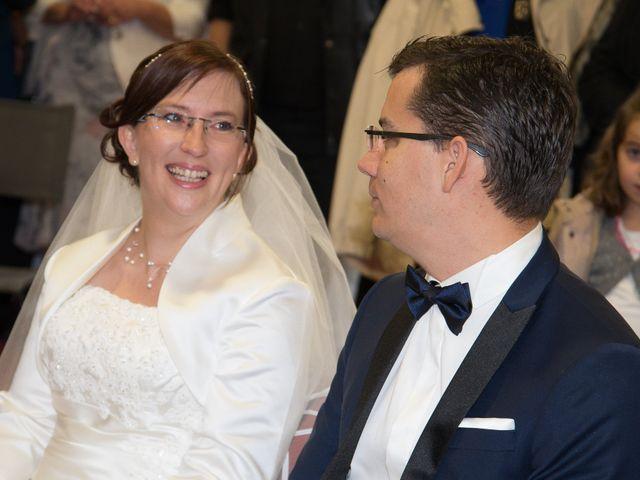 Le mariage de Damien et Sylvie à Beaulieu-sous-la-Roche, Vendée 10