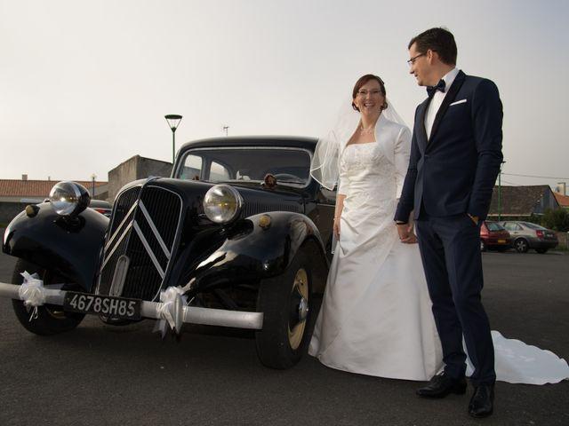 Le mariage de Damien et Sylvie à Beaulieu-sous-la-Roche, Vendée 18