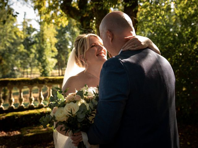 Le mariage de Oliver et Sarah à Angoulême, Charente 2