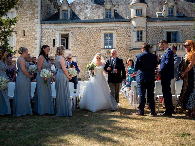 Le mariage de Oliver et Sarah à Angoulême, Charente 46