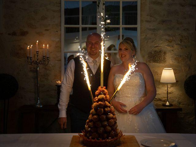 Le mariage de Oliver et Sarah à Angoulême, Charente 69