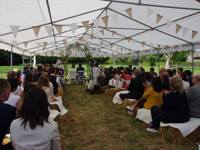 Le mariage de Antoine et Sarah à Bonneville-Aptot, Eure 17