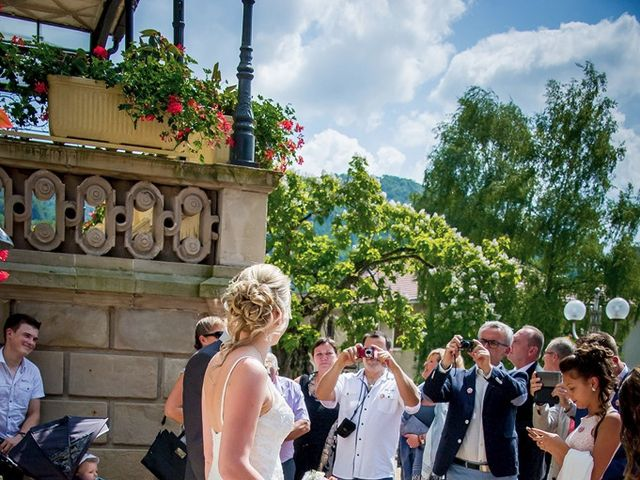 Le mariage de Romain et Marie à Pont-de-Roide, Doubs 12