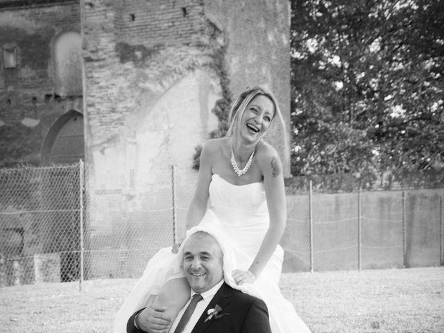 Le mariage de Christophe et Essia à Labarthe-sur-Lèze, Haute-Garonne 4