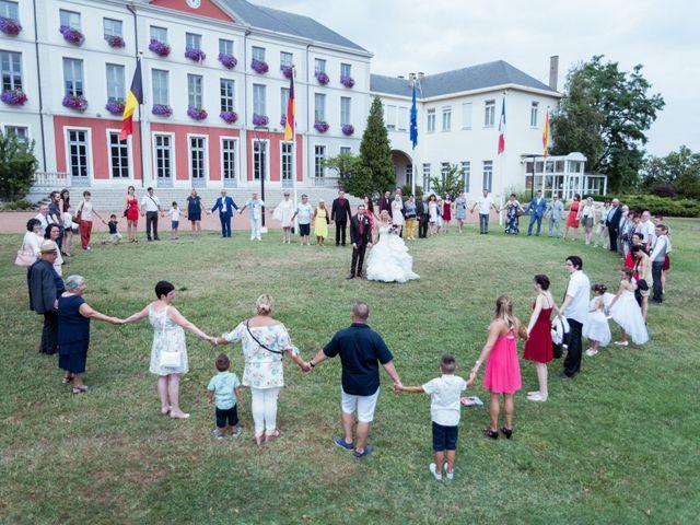 Le mariage de Anthony et Elodie à Le Coteau, Loire 3