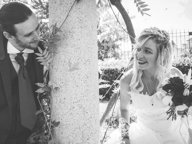 Le mariage de Anthony et Elodie à Le Coteau, Loire 15