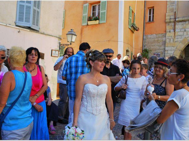 Le mariage de Aurélien et Sarah à Fayence, Var 15