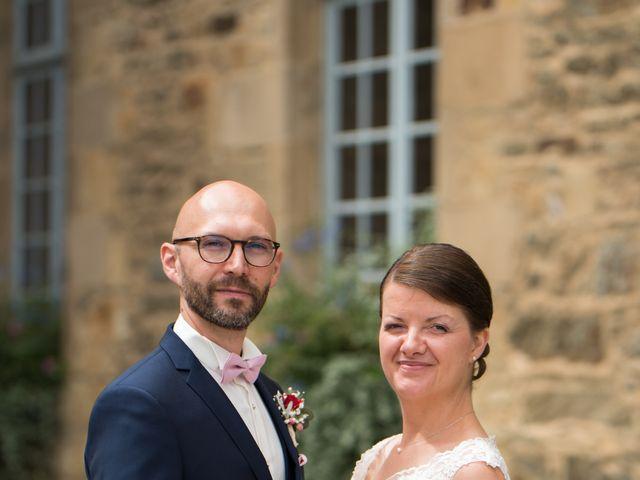 Le mariage de Erwan et Julie à Châteaugiron, Ille et Vilaine 23