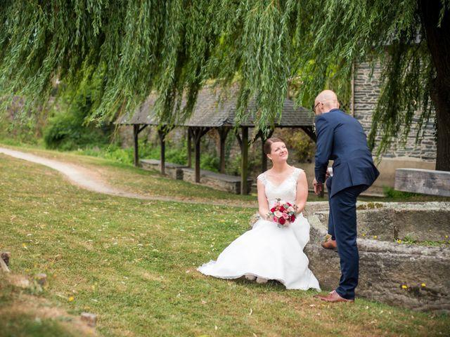 Le mariage de Erwan et Julie à Châteaugiron, Ille et Vilaine 33