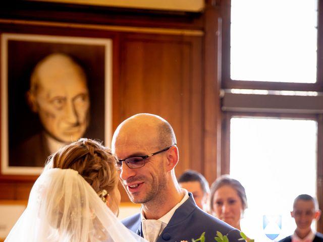 Le mariage de Emmanuel et Stéphanie à Bailleul, Nord 35