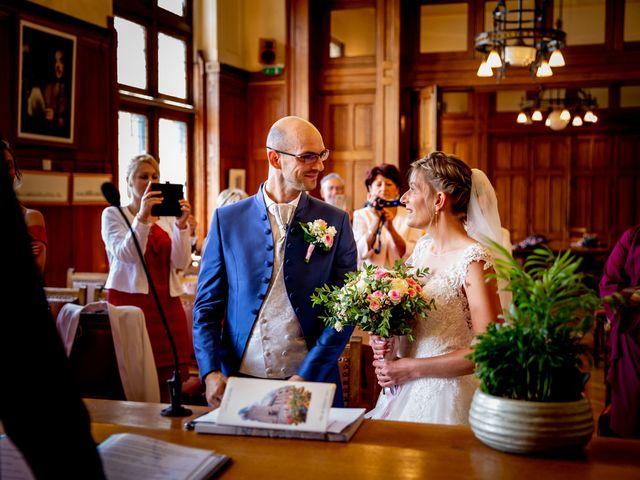 Le mariage de Emmanuel et Stéphanie à Bailleul, Nord 37