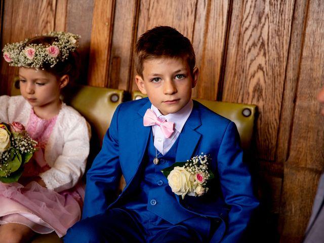 Le mariage de Emmanuel et Stéphanie à Bailleul, Nord 43