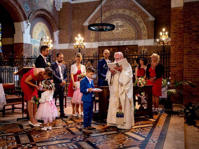 Le mariage de Emmanuel et Stéphanie à Bailleul, Nord 56