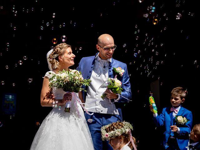 Le mariage de Emmanuel et Stéphanie à Bailleul, Nord 68