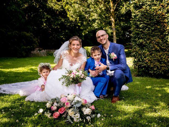 Le mariage de Emmanuel et Stéphanie à Bailleul, Nord 74