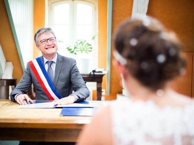 Le mariage de Nicolas et Cécile à Fontaines-sur-Saône, Rhône 33