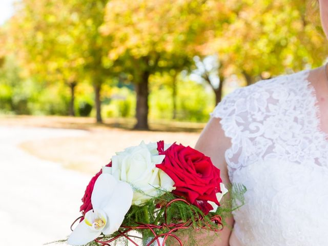 Le mariage de Yannick et Aline à Montignac-Charente, Charente 5