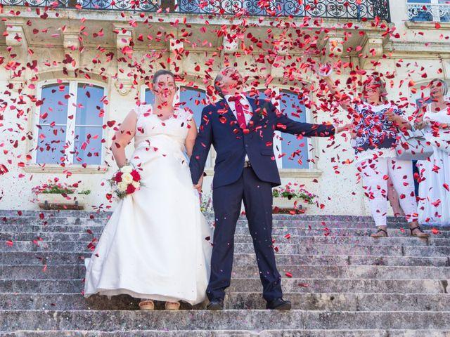 Le mariage de Yannick et Aline à Montignac-Charente, Charente 2