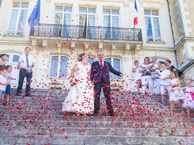 Le mariage de Yannick et Aline à Montignac-Charente, Charente 64