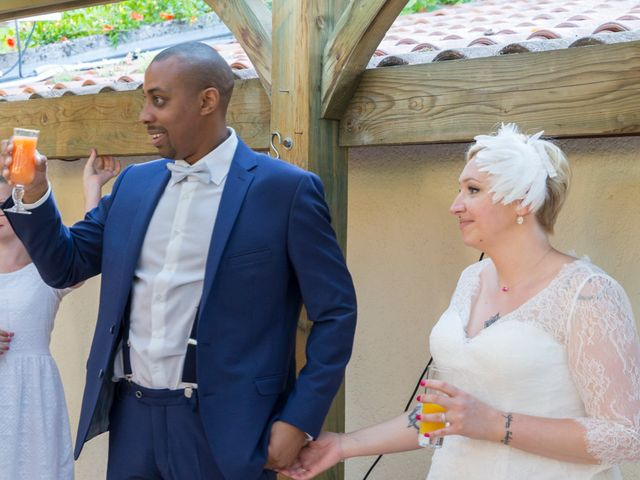Le mariage de Laury et Charlène à Saint-Laurent-d'Agny, Rhône 12