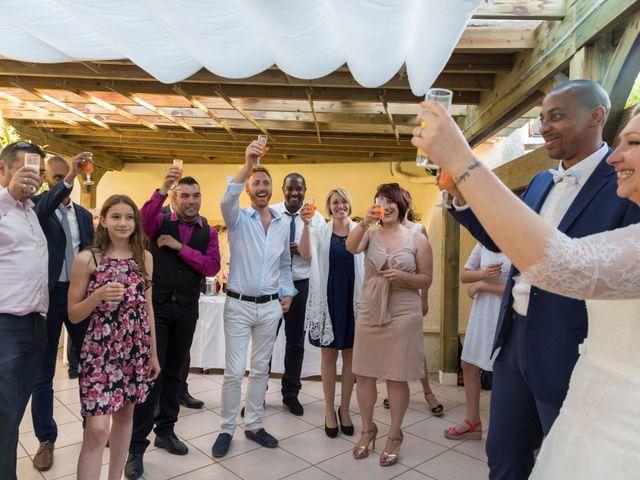 Le mariage de Laury et Charlène à Saint-Laurent-d'Agny, Rhône 13