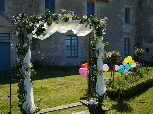Le mariage de Sébastien et Isabelle à Sainte-Gemme-la-Plaine, Vendée 6
