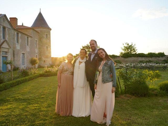 Le mariage de Sébastien et Isabelle à Sainte-Gemme-la-Plaine, Vendée 11