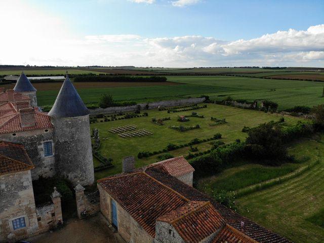 Le mariage de Sébastien et Isabelle à Sainte-Gemme-la-Plaine, Vendée 37