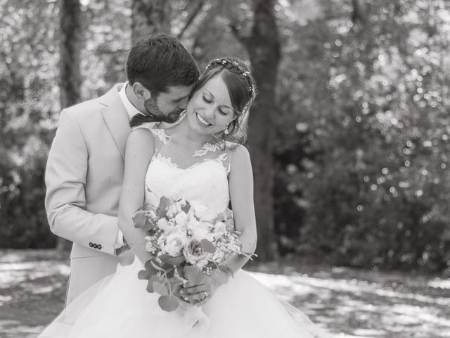 Le mariage de Paul et Alix à Saint-Yrieix-sur-Charente, Charente 30