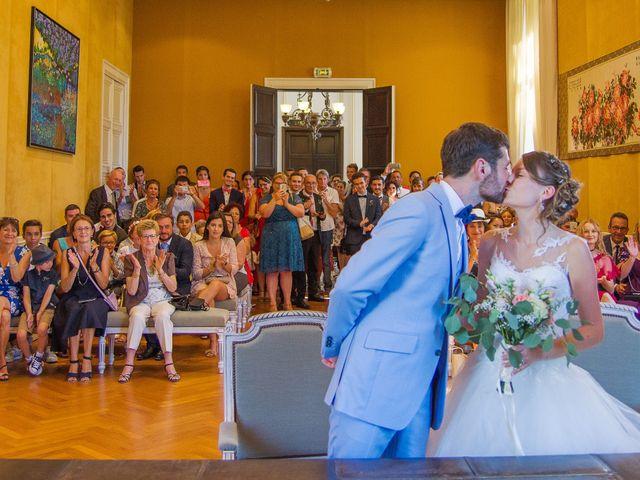 Le mariage de Paul et Alix à Saint-Yrieix-sur-Charente, Charente 37