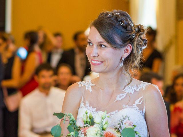 Le mariage de Paul et Alix à Saint-Yrieix-sur-Charente, Charente 43