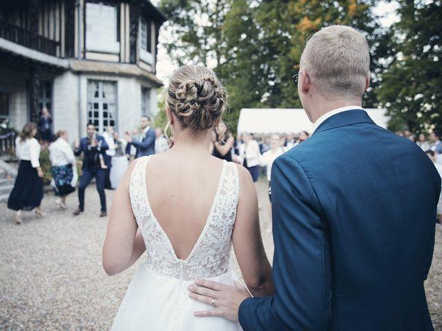 Le mariage de Alban et Lucie à Gaillon, Eure 44