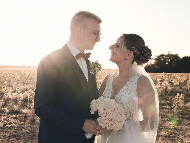 Le mariage de Alban et Lucie à Gaillon, Eure 54