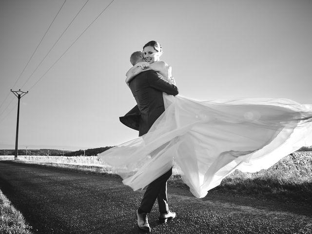 Le mariage de Alban et Lucie à Gaillon, Eure 56