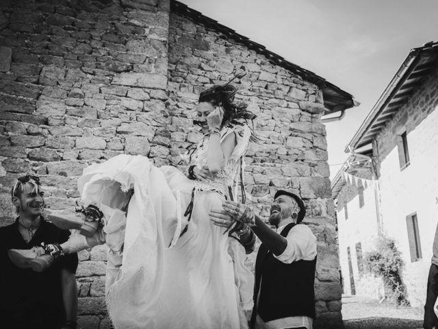 Le mariage de Jérémy et Orély à Cunlhat, Puy-de-Dôme 8