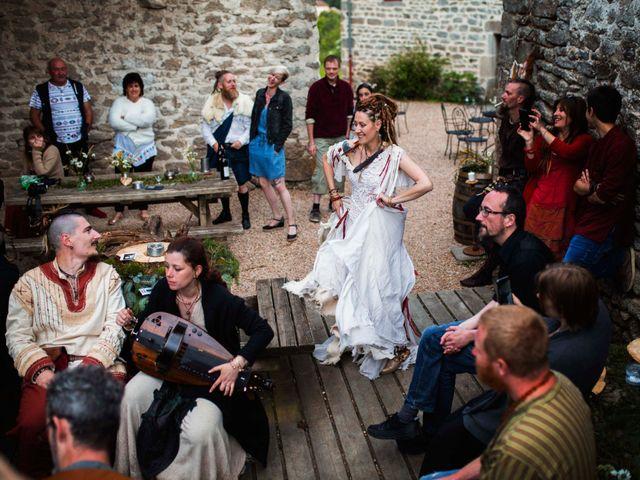 Le mariage de Jérémy et Orély à Cunlhat, Puy-de-Dôme 11